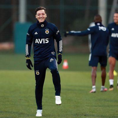 Mesut Özil'in Futbol Kariyerinden Satır Başları
