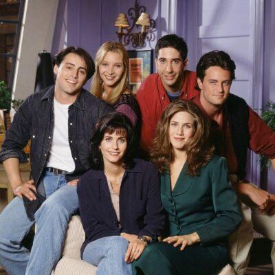 #ListeledİK Efsaneleşmiş Dizi Friends'in En İyi 10 Bölümü