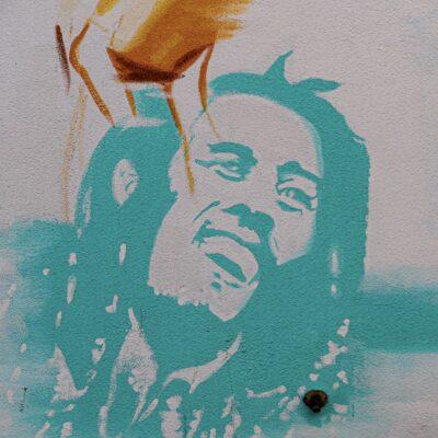Bob Marley: Raggae Müziğinin Efsane İsmi